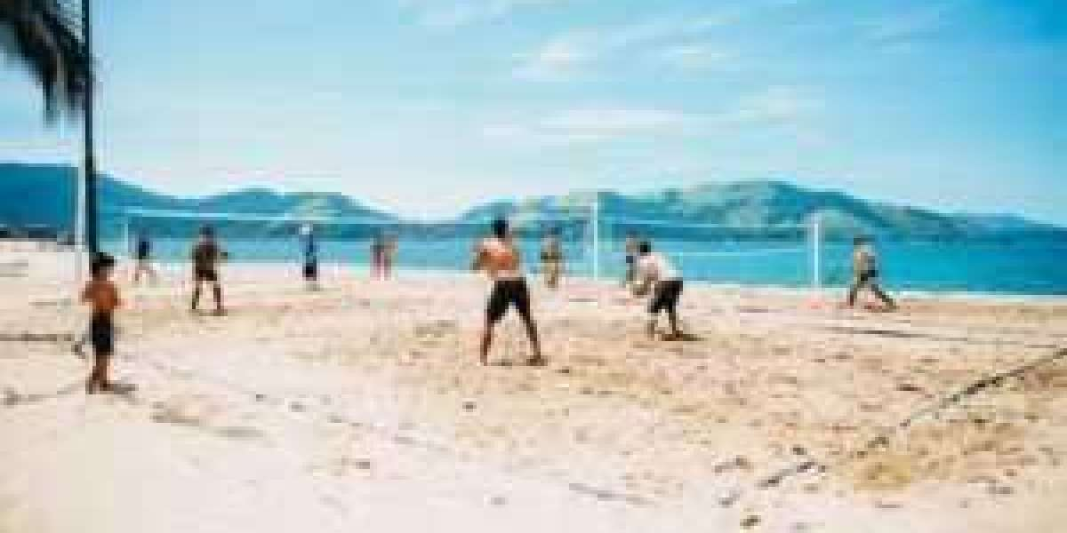 The benefits of doing sports on the beach